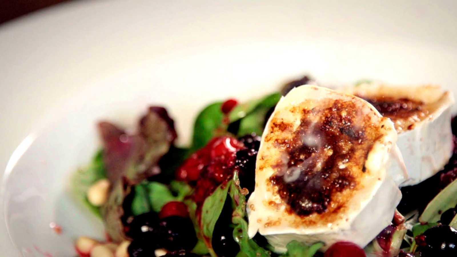 Recetas de ensalada de queso y frutos rojos