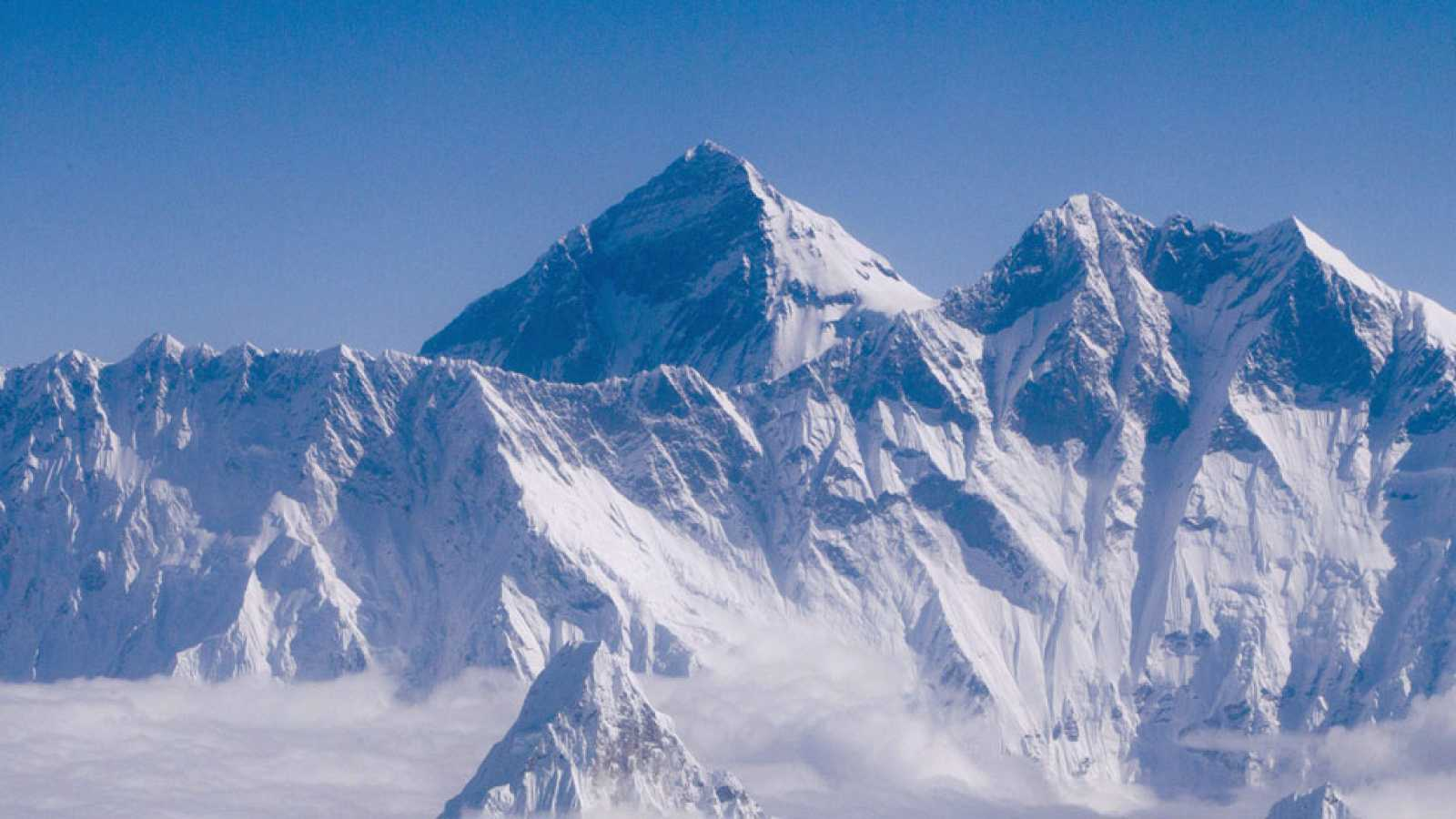 Al menos mil personas a los pies del Everest han sufrido las consecuencias del terremoto