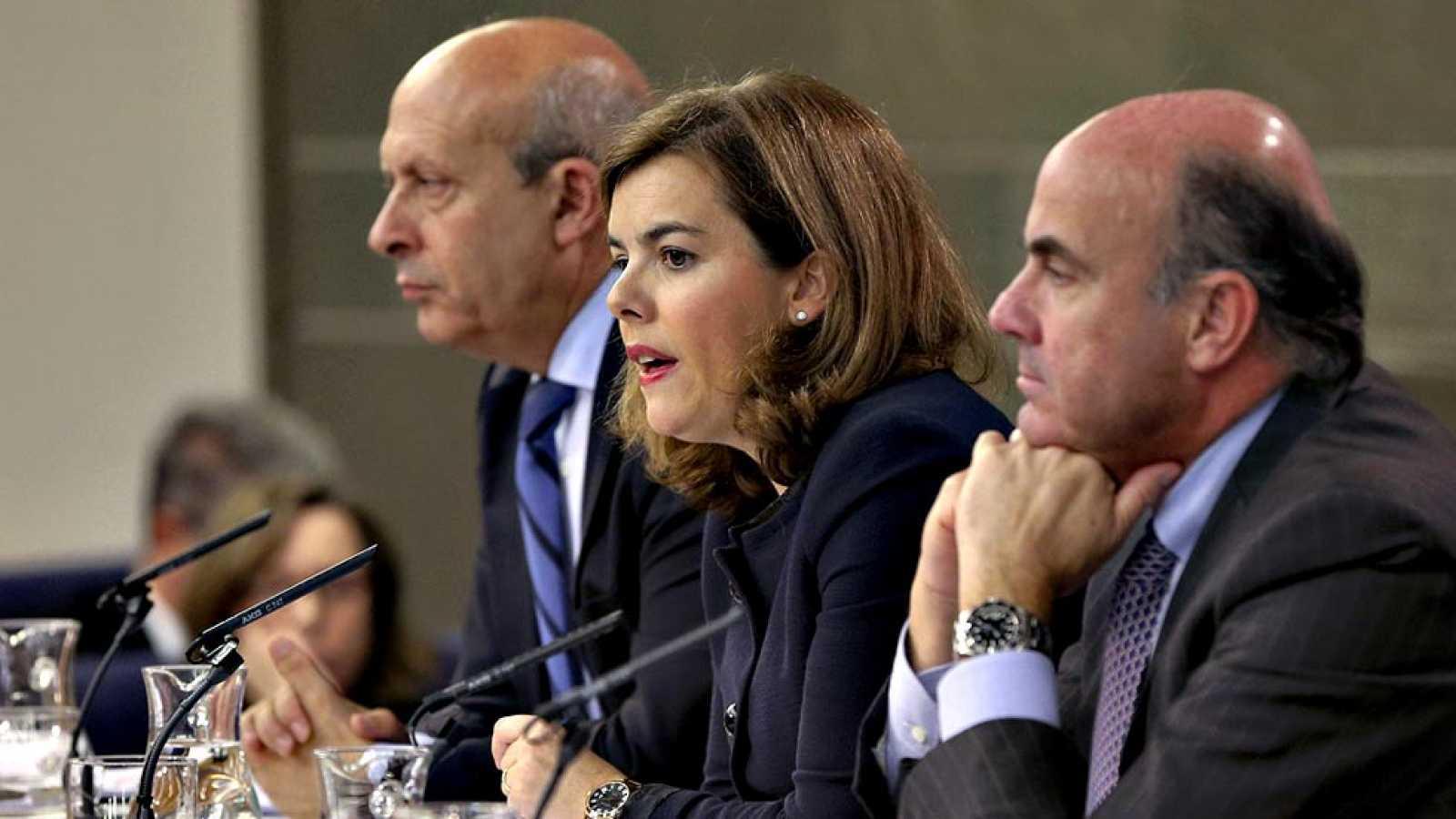 El Consejo de Ministros aprobó este viernes el Real Decreto Ley de medidas urgentes en relación con la comercialización de los derechos de explotación de contenidos audiovisuales de las competiciones de fútbol profesional, según confirmó la vicepresi
