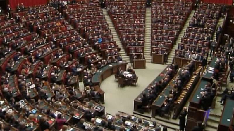 La Cámara Baja de Italia aprueba la reforma electoral del primer ministro Matteo Renzi
