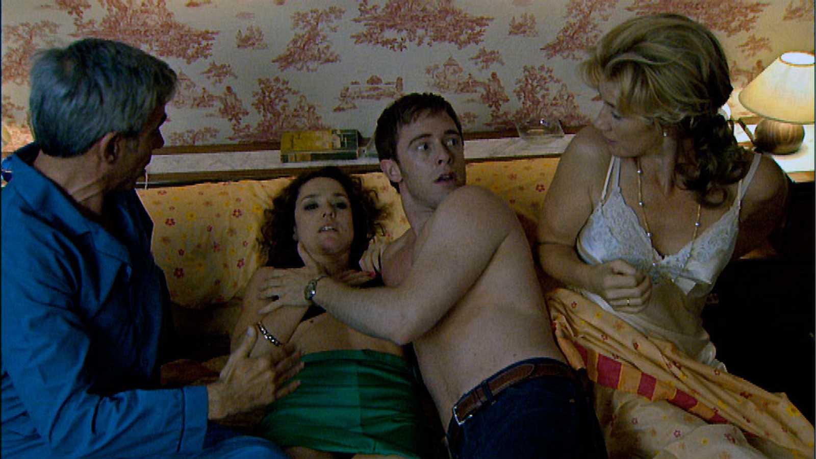 Cuéntame cómo pasó - Toni y Cecilia, pasión sin freno... o casi