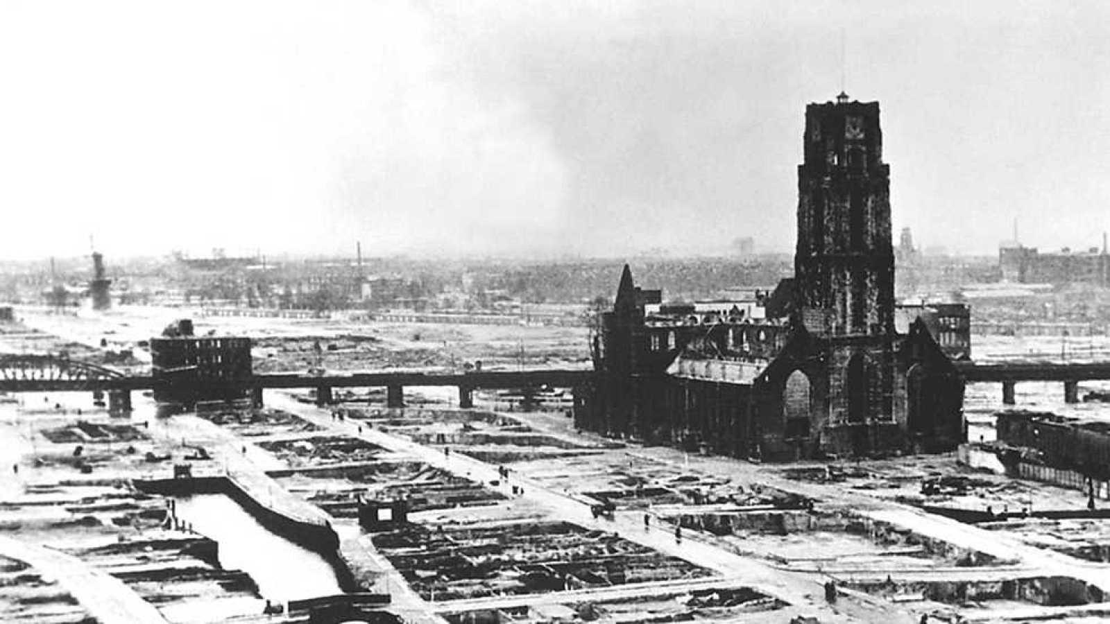 Documenta2 - Oliver Stone: La historia no contada de Estados Unidos - La Segunda Guerra Mundial - ver ahora