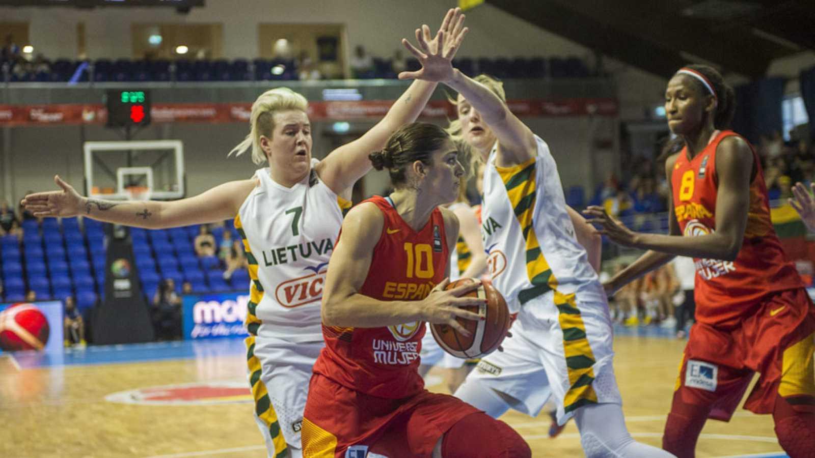 La selección española de baloncesto femenino ha comenzado con victoria su camino para revalidar el título de campeonas de Europa. Las chicas de Lucas Mondelo se han impuesto 58-72 a Lituania en el Eurobasket de Hungría y Rumanía.