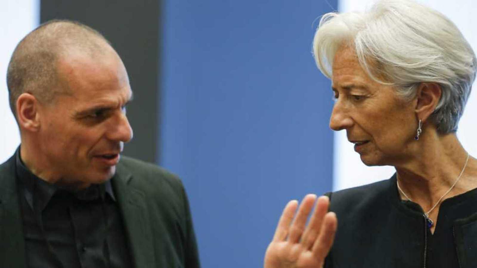 El eurogrupo fracasa en su enésimo intento de cerrar un acuerdo con Atenas y eleva  la negociación al máximo nivel político. Los jejes de gobierno de los 19 países de la moneda única se reunirán el lunes en una cumbre extraordinaria. Será, dicen, la