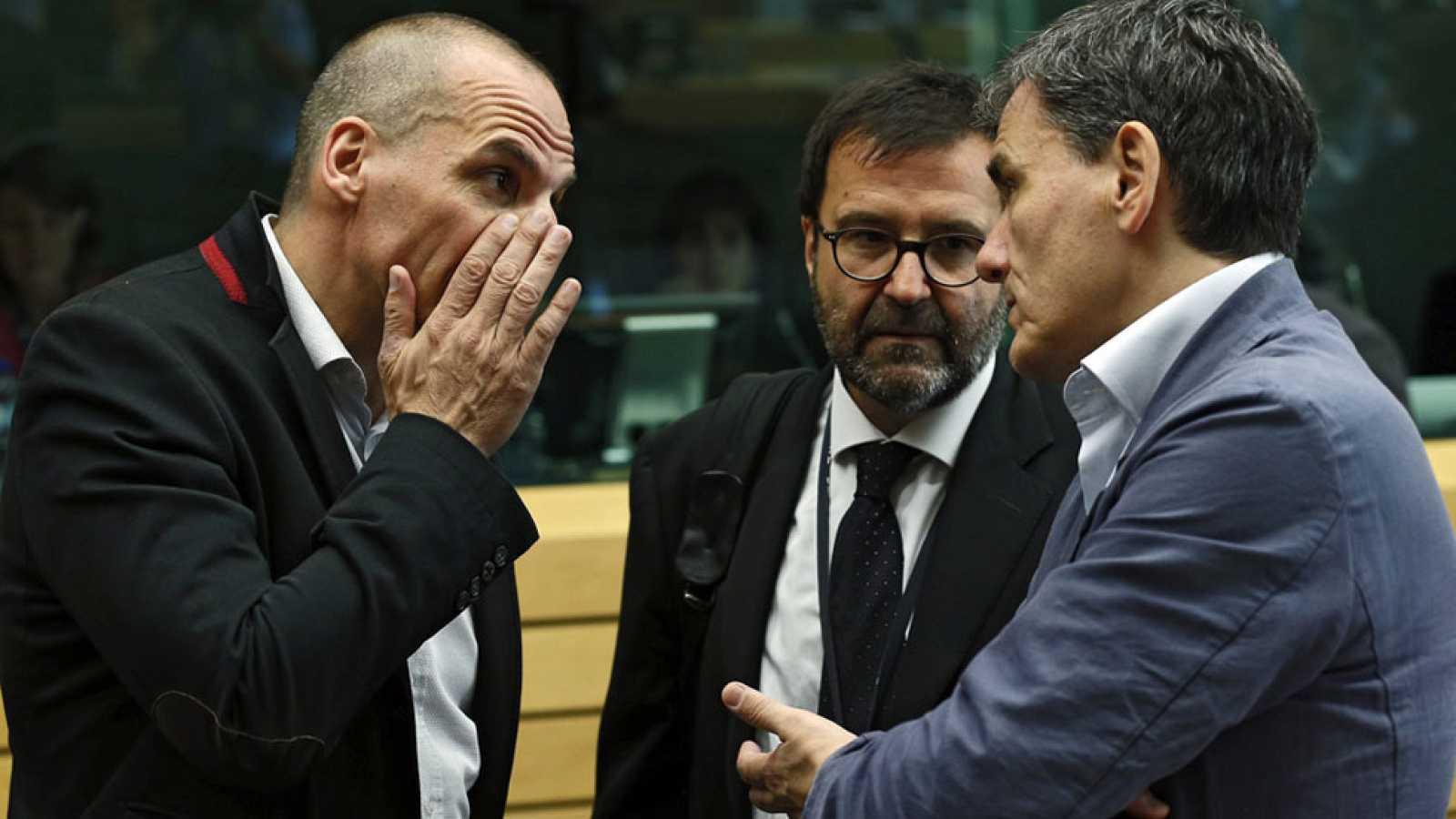 """Los acreedores piden más recortes y Grecia se niega a """"trasladar la carga sobre trabajadores y jubilados"""""""
