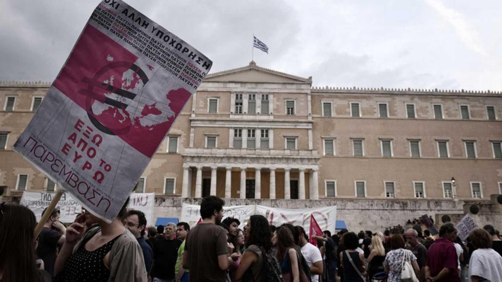 El BCE mantiene el préstamo de emergencia a los bancos griegos
