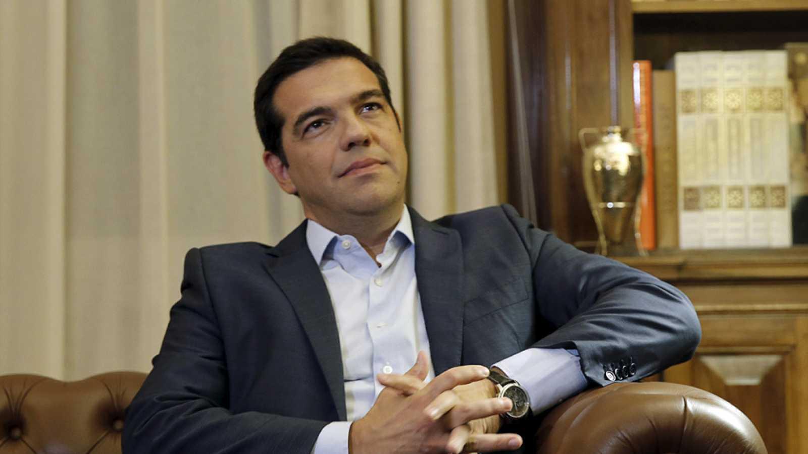 Tsipras dimite y convoca elecciones anticipadas