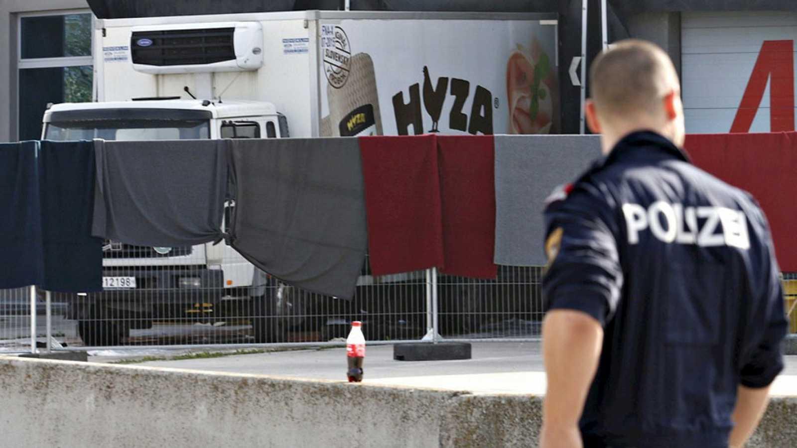 Varios detenidos por la muerte de 71 inmigrantes en un camión en Austria
