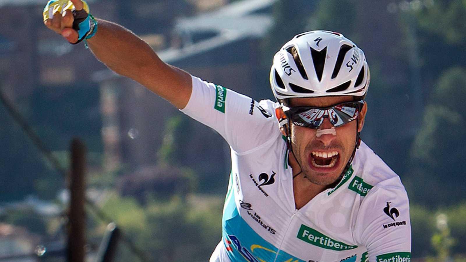 El italiano Fabio Aru ha dado un vuelco a la Vuelta a España con su ataque en La Morcuera, donde ha hundido a Dumoulin, que ha perdido el liderato y se ha quedado fuera del podio. La etapa fue para Rubén Plaza, protagonista de una larga escapada.