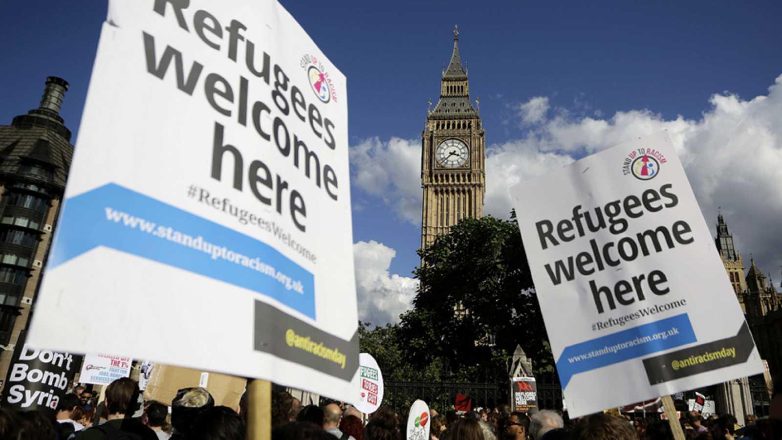 Concentraciones en muchas ciudades en apoyo a los refugiados