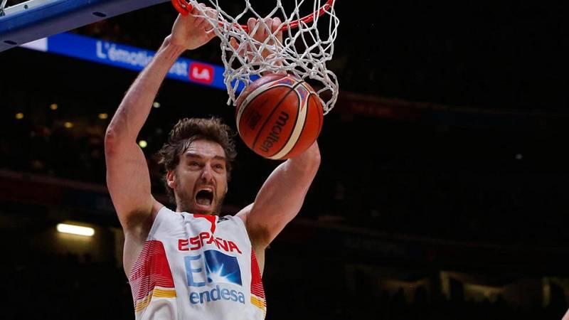 La selección española festeja su pase a la final del Eurobasket