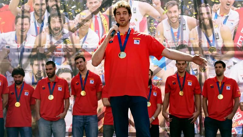 Los campeones de Europa de baloncesto han dedicado su éxito a los aficionados en la plaza de Callao, donde Gasol ha sido el más aclamado.