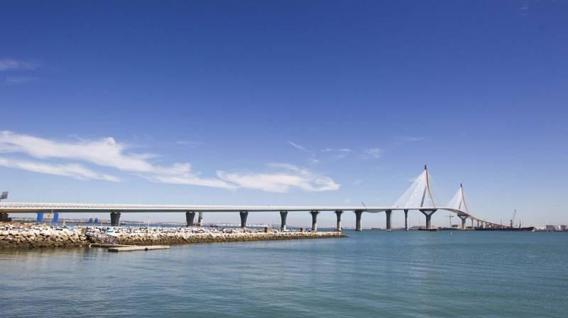Rajoy inaugura el puente Constitución 1812 de Cádiz