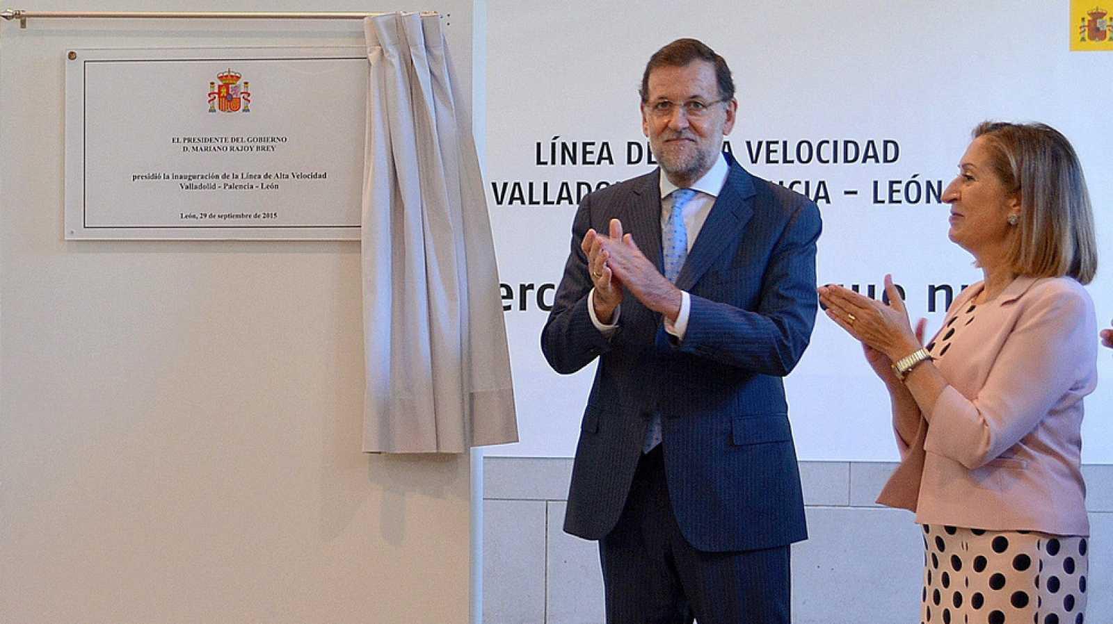 Rajoy inaugura el AVE a León