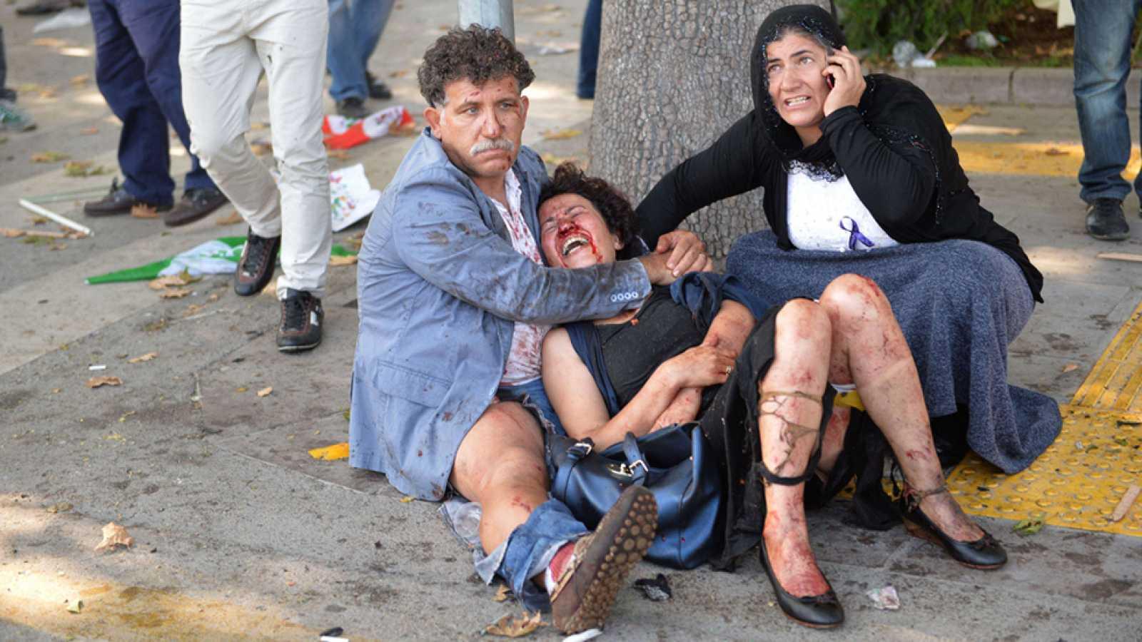 El gobierno turco cree que varios suicidas están detrás del atentado de Ankara