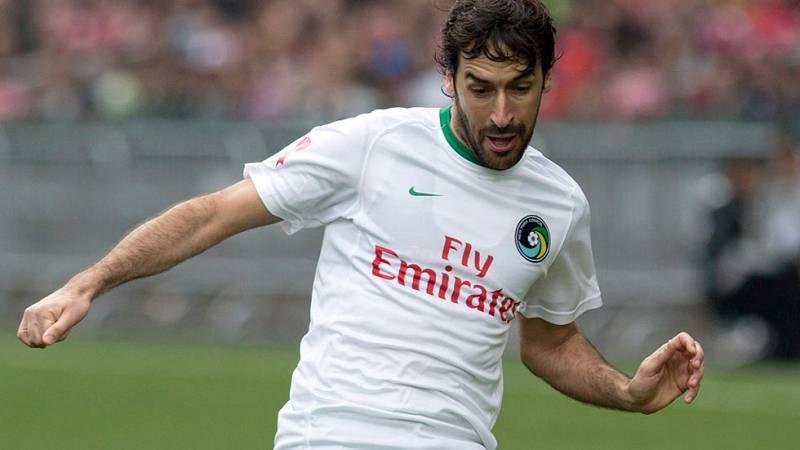 A sus 38 años, Raúl González Blanco ha decidido poner un punto y final a su carrera como jugador de fútbol. Finalizará en noviembre, cuando acabe la temporada en Estados Unidos con su actual club, el Nueva York Cosmos.