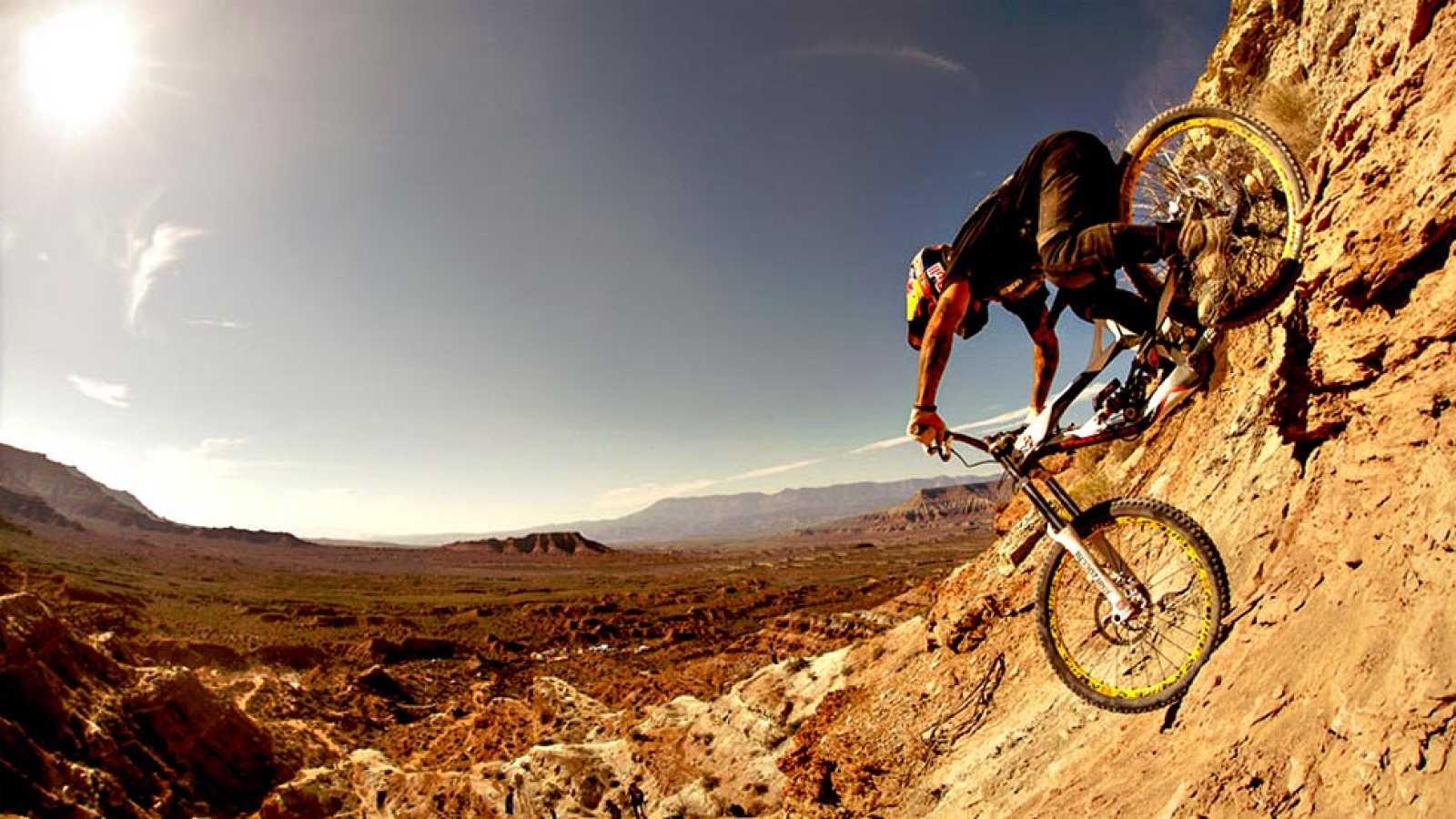Este 2015 se disputaba la décima edición de este mega evento que se disputa en Virginia, Utah (USA), y que reúne a los mejores y más descarados freeriders del panorama internacional, entre ellos el español Andreu Lacondeguy.