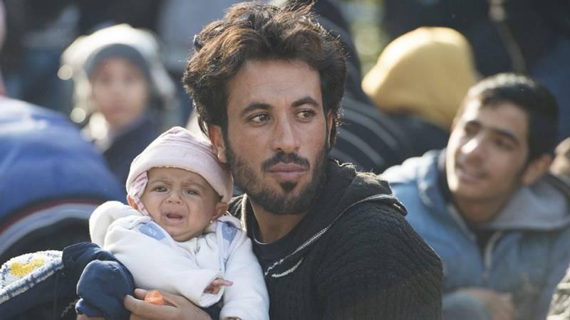 """Austria levantará una valla en su frontera con Eslovenia para """"ordenar"""" la llegada de inmigrantes"""