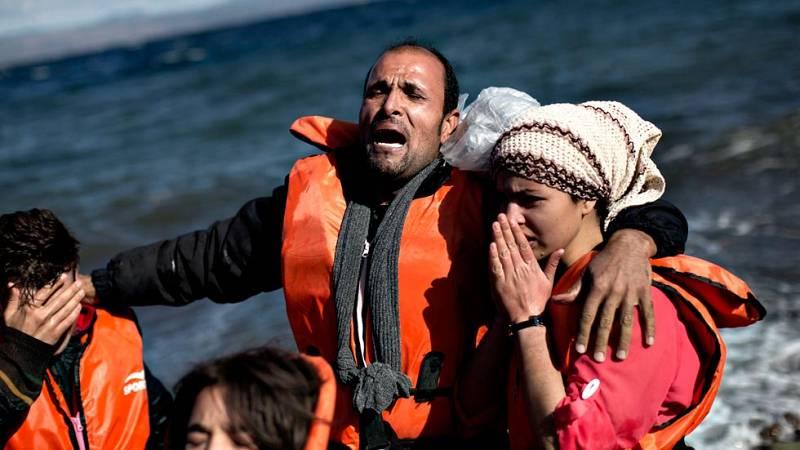 Miles de refugiados siguen llegando a Europa desde Siria