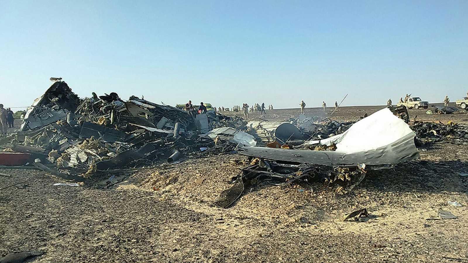Los equipos de emergencia han recuperado cerca de 130 cadáveres del avión ruso siniestrado