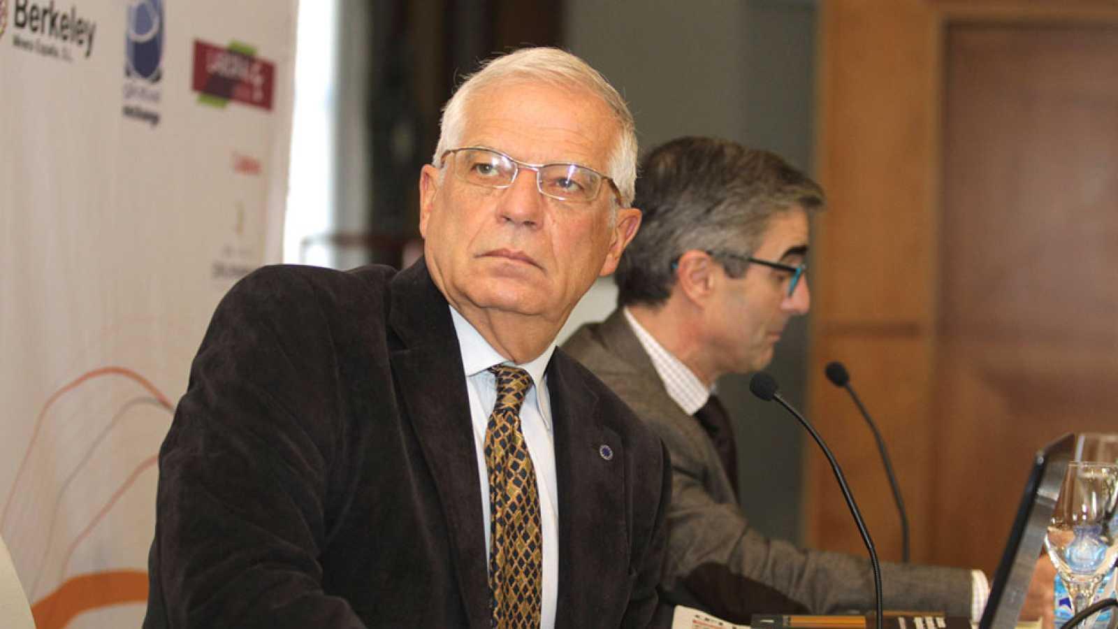 """Borrell cree que Artur Mas es un """"conductor que se ha quedado sin frenos"""""""
