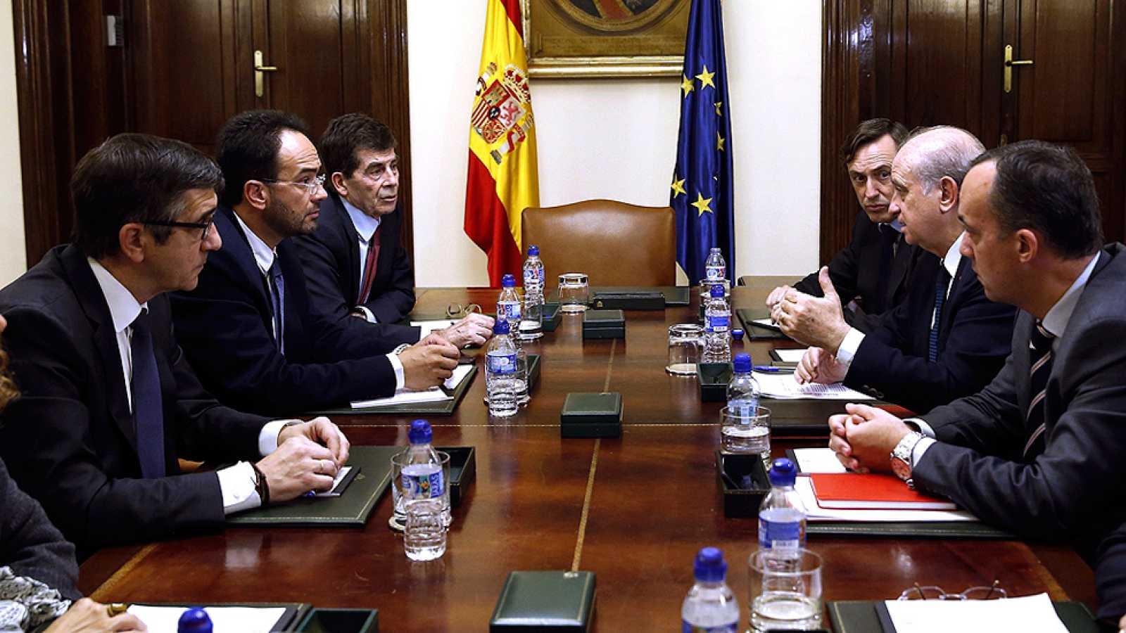 Los políticos españoles suspenden los actos de campaña y muestran su solidaridad con Francia