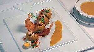 Albóndigas de gallina en pepitoria