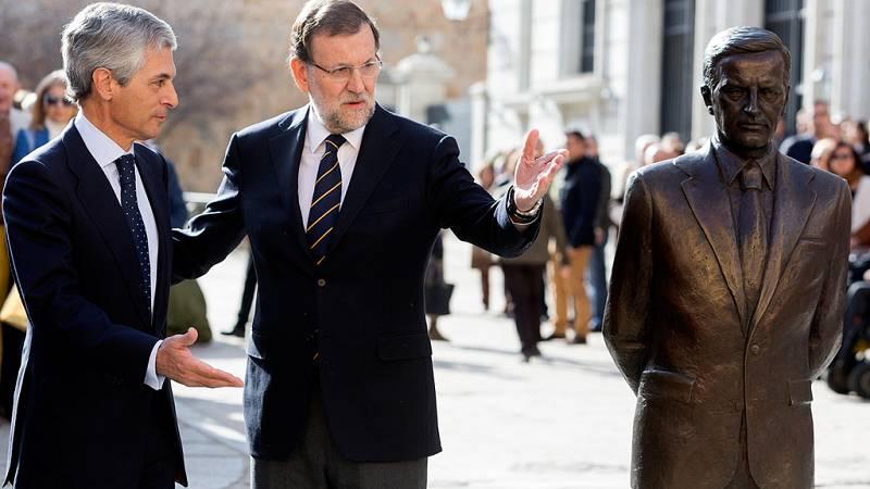 """Rajoy no se cierra a reformar la Constitución si hay un """"consenso"""" como el de Suárez"""