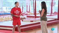 animalades - Terres humides -  Gervasio Deferr ensenya els gimnastes els salts de les granotes