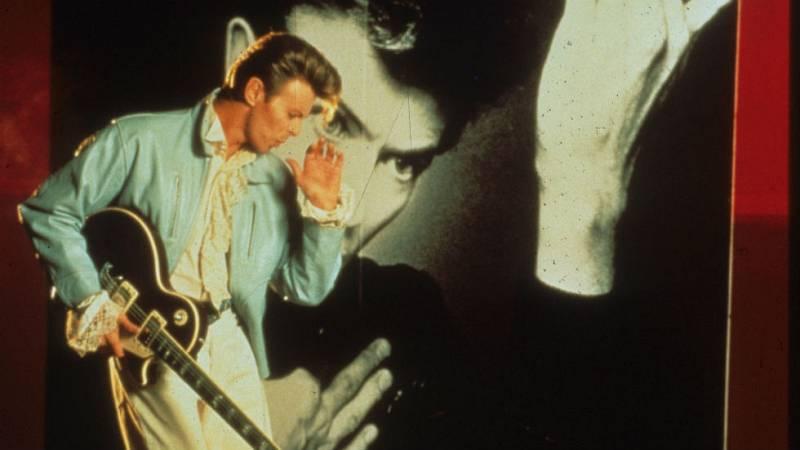 Domingo clips - David Bowie