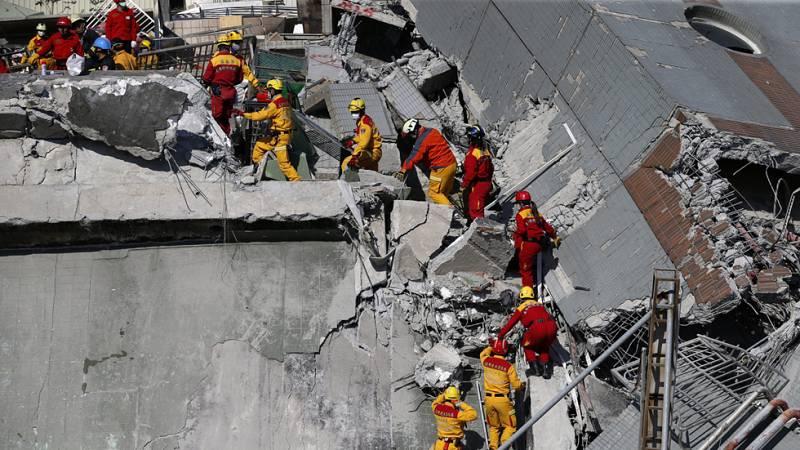 38 muertos y 124 desaparecidos es el balance provisional de víctimas del terremoto de Taiwán