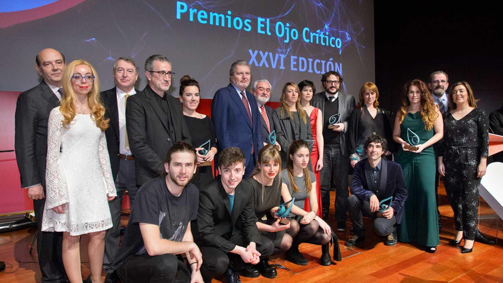 RNE entrega los Premios El Ojo Crítico 2015, que homenajean la trayectoria del director de la RAE, Darío Villanueva - Ver ahora