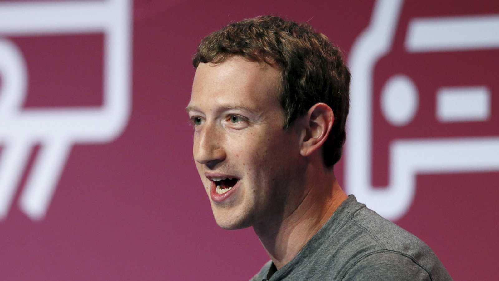Mark Zuckerberg genera mucha expectación entre los asistentes al Mobile World Congress