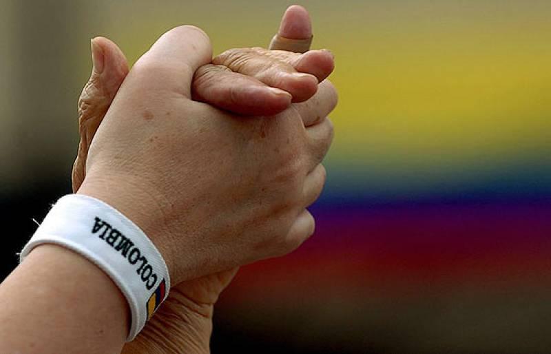 Miles de personas salen a las calles de Colombia y Europa para pedir la liberación de los rehenes de las FARC.