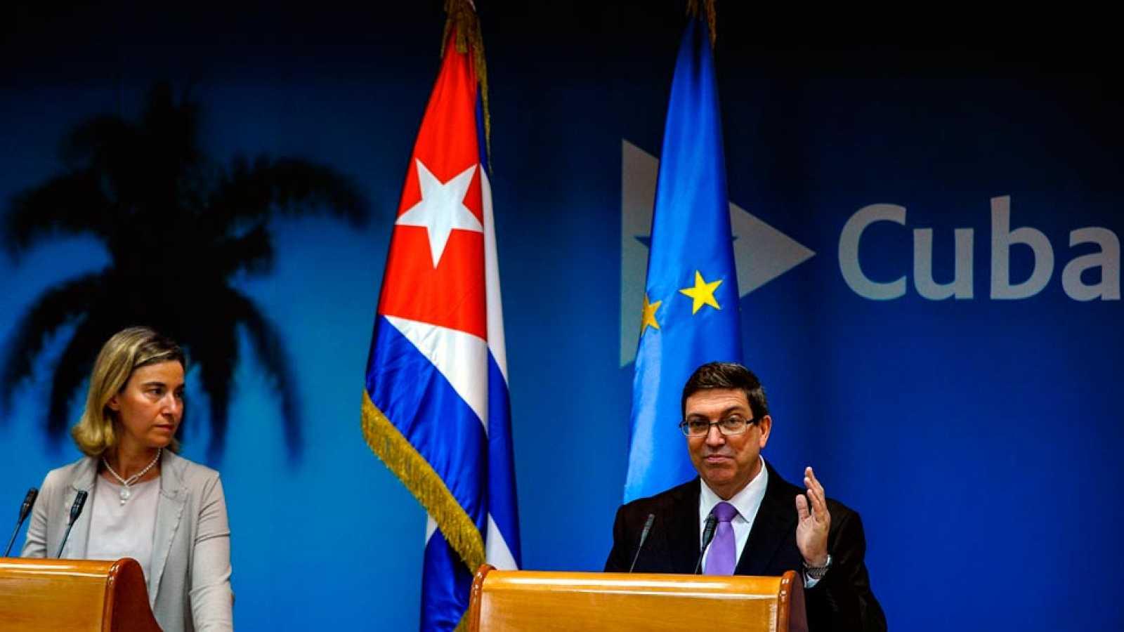 Cuba y la UE firman el acuerdo que abre la puerta a la normalización de las relaciones diplomáticas