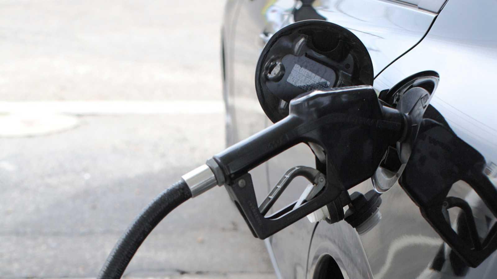 Nueve comunidades restringirán el funcionamiento de las gasolineras que funcionan sin trabajadores