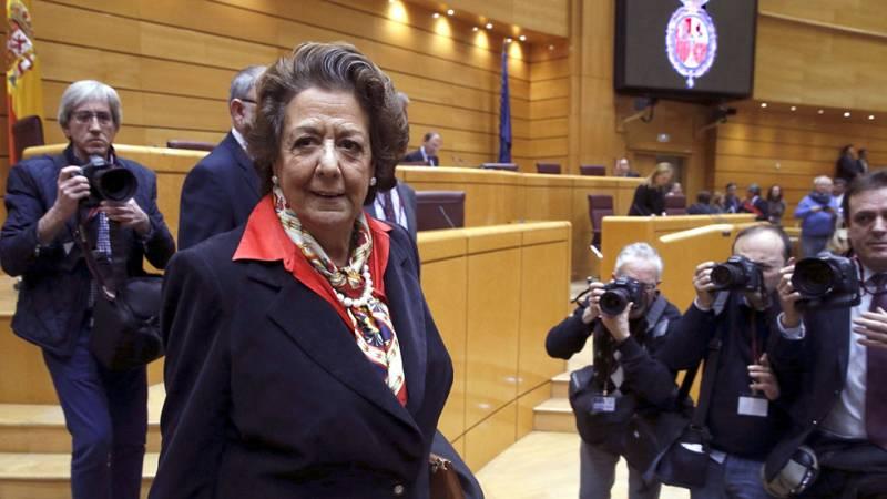 Rita Barberá acude al Senado por primera vez tras las elecciones generales de diciembre