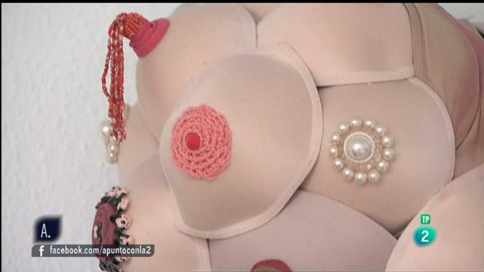 A punto con La 2 - Reciclando - Diseño de ropa feminista: bolso-sujetador