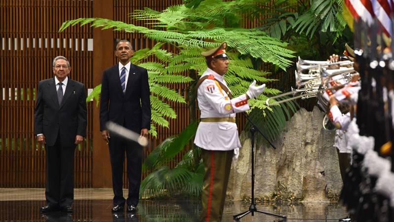 Los himnos de Estados Unidos y de Cuba han sonado en La Habana en presencia de Raúl Castro y Obama