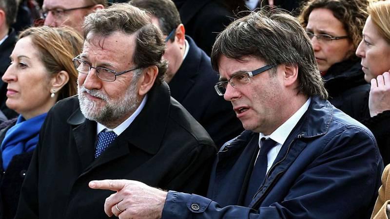 Rajoy y Puigdemont coinciden en el acto por las víctimas de Germanwings pero no acuerdan reunirse