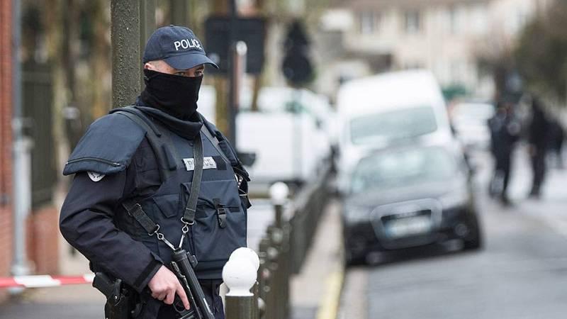 La policía francesa detiene a un hombre y desmantela un proyecto de atentado