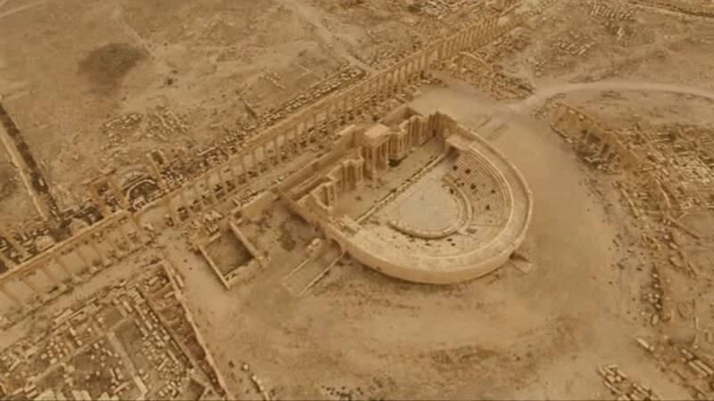Lo que queda de las ruinas de Palmira, vista aérea tras su reconquista por el ejército sirio