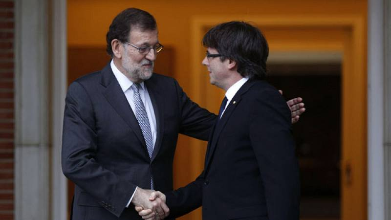 Rajoy se reúne con Puigdemont en la Moncloa
