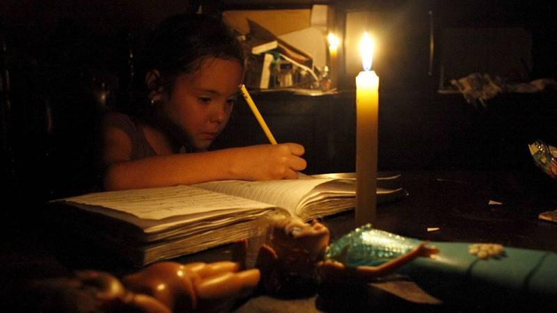 Los funcionarios venezolanos solo trabajarán lunes y martes para ahorrar energía
