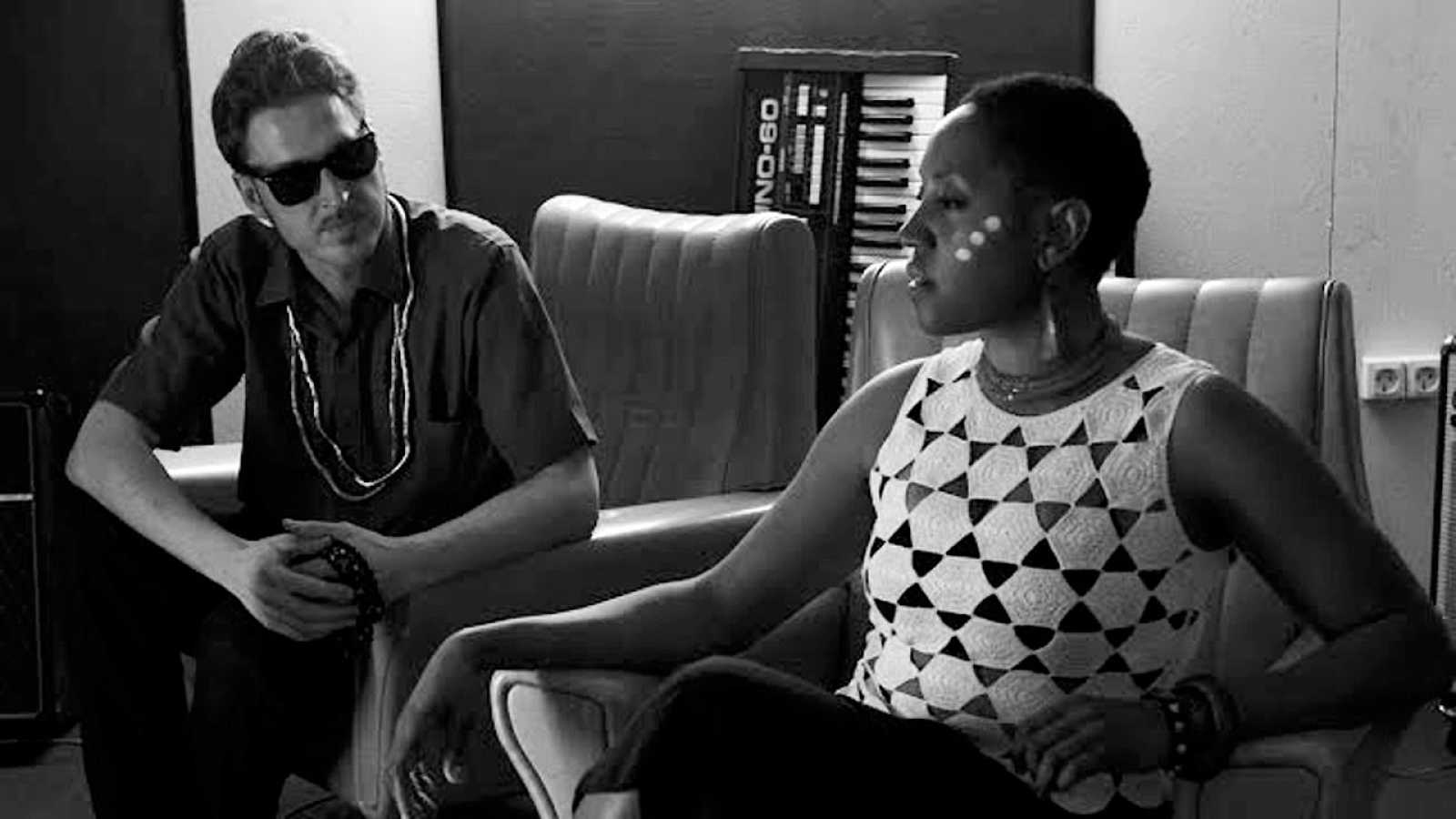 Juno & Darrell - Kalimba Beat