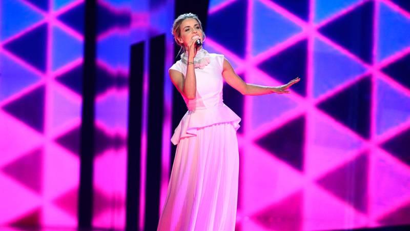 Eurovisión 2016 - Semifinal 1 - República Checa: Gabriela Guncíková canta 'I Stand'