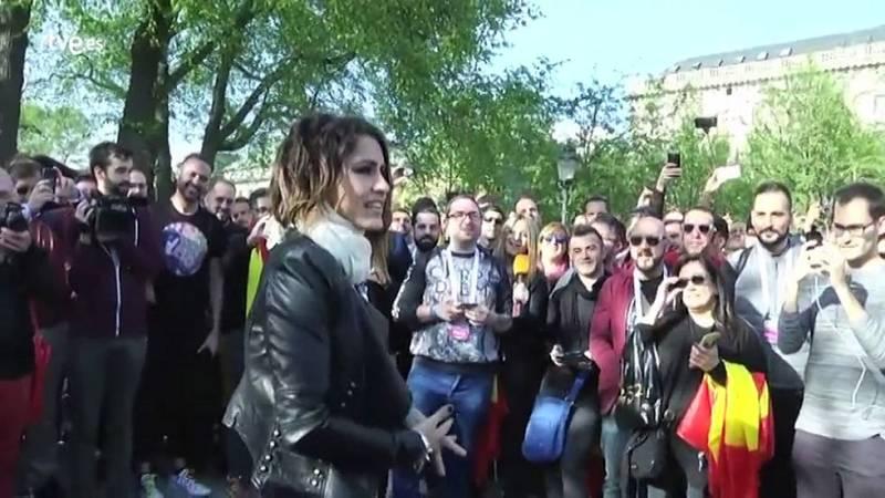 Barei ha tenido un emotivo encuentro con los eurofans españoles que se han desplazado a Estocolmo para seguir el festival.