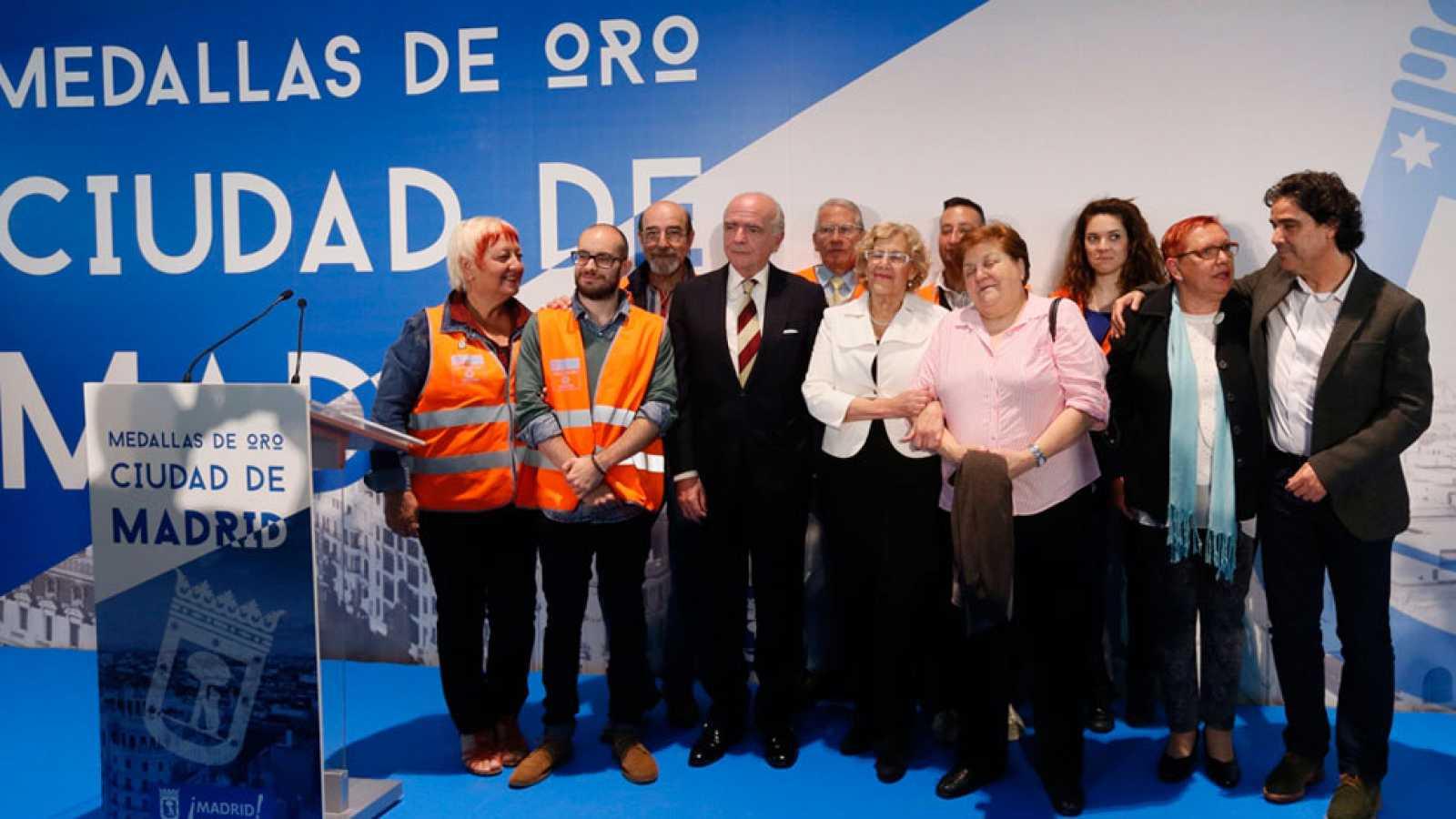 Madres contra la droga recibe la medalla de oro de Madrid