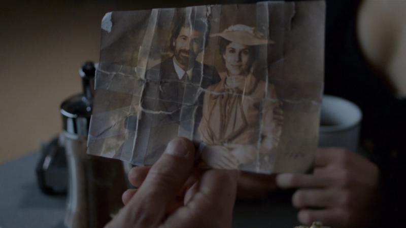 El Ministerio del Tiempo - Amelia le cuenta su secreto a Julián