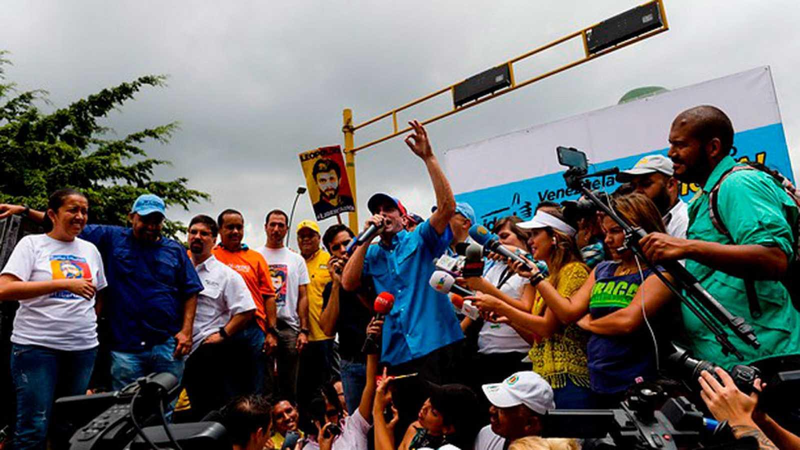 Propuesta de referéndum en Venezuela para destituir  del poder a Nicolás Maduro